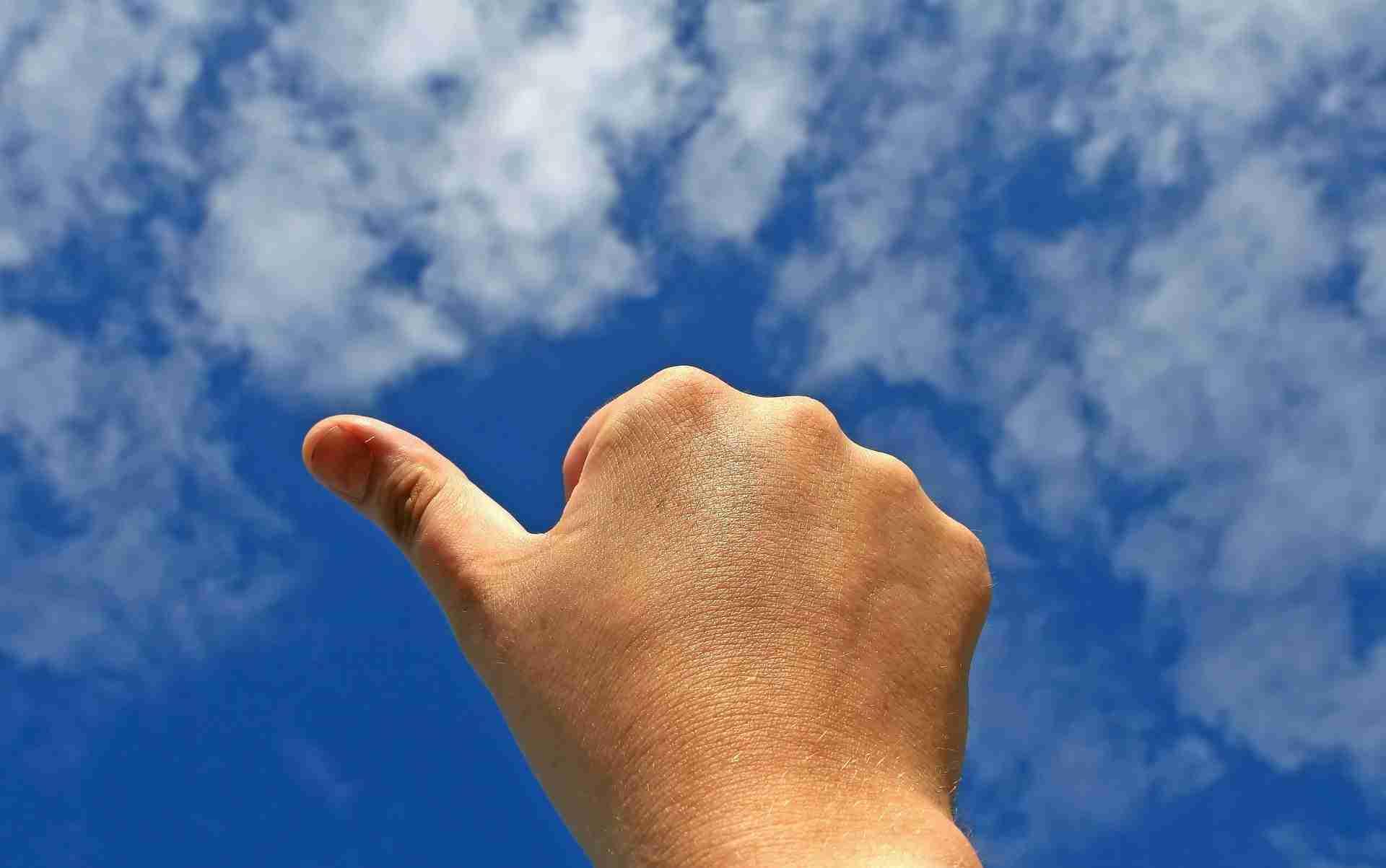 sky thumbs up