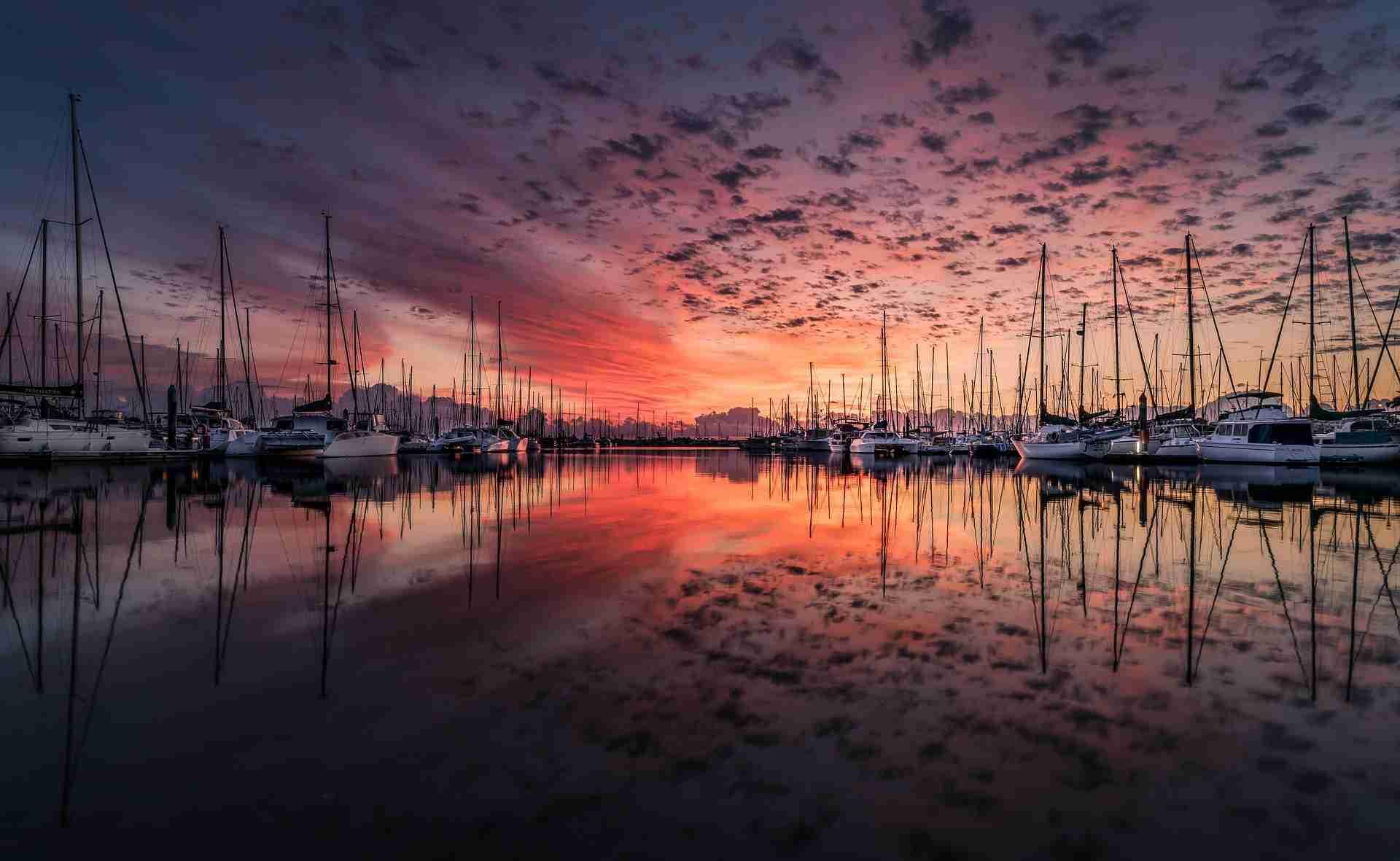 sunset boat marina kelowna
