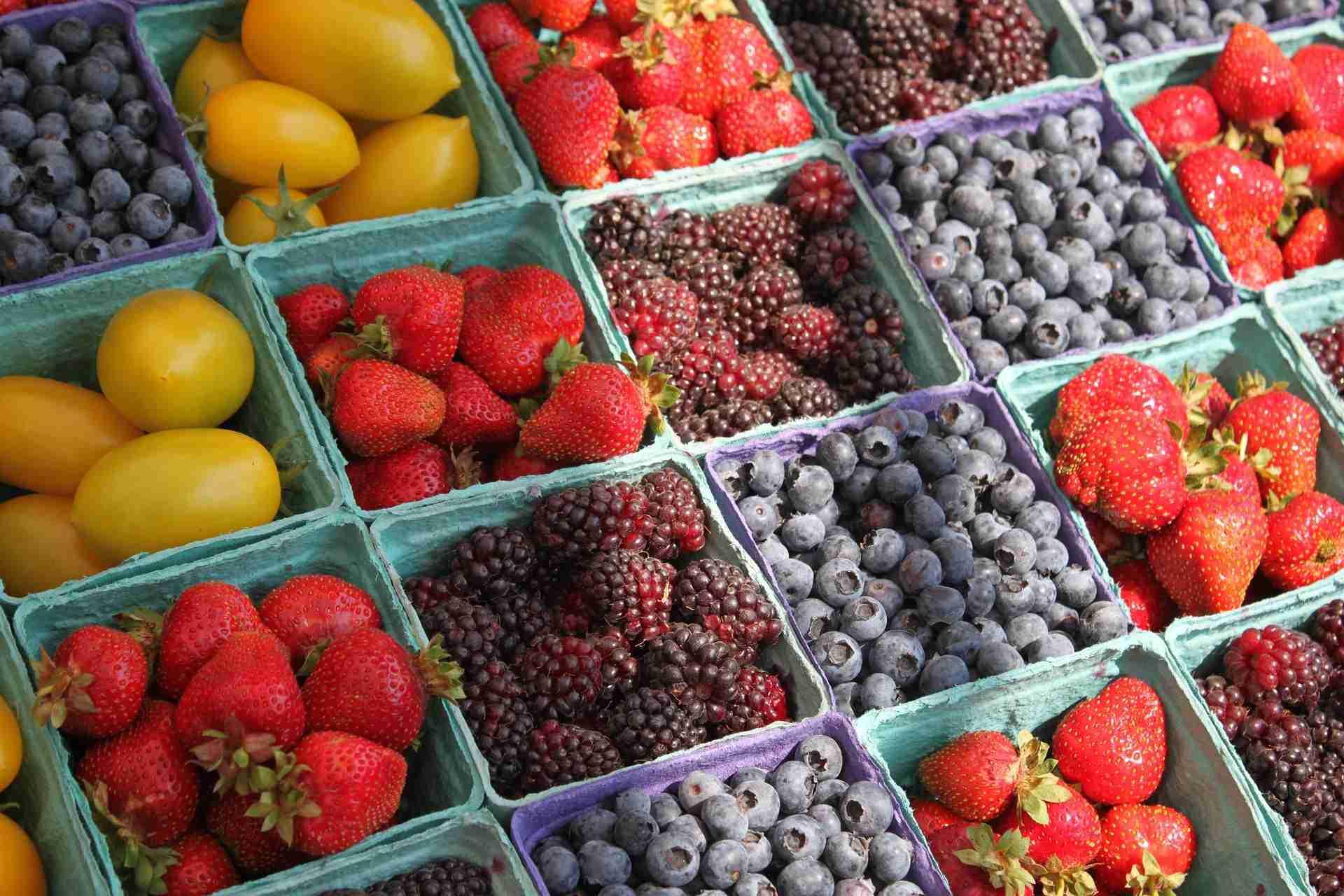 farmers' market fruit stand kelowna